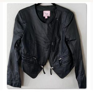 Romeo & Juliet Couture Jackets & Coats - ROMEO & JULIET COUTURE FAUX LEATHER BLACK JACKET
